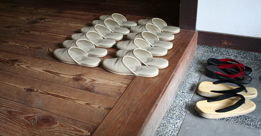 razones para quitarse los zapatos al entrar a casa