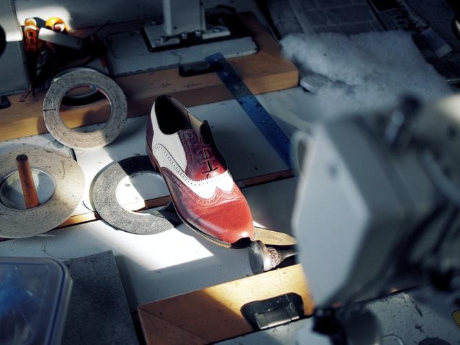 Por que preferir los zapatos de piel hechos a mano