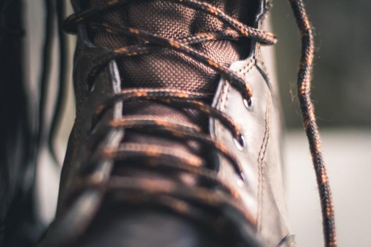 zapatos de piel hechos a manos
